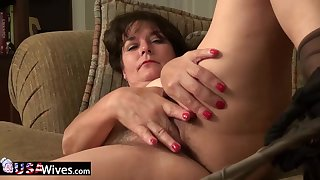 USAWives mature Lori Leane masturbating alone