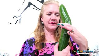 Horny mature lady get good use be proper of her sextoys and vegetable