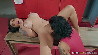 Alcove room sex motivation two mature lesbians Honey Gold & Kaylani Lei