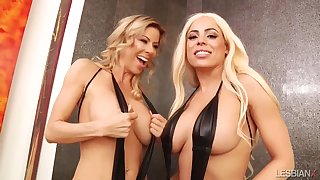 LesbianX - Luna Star Coupled with Alexis Fawx Squirting Bombshel