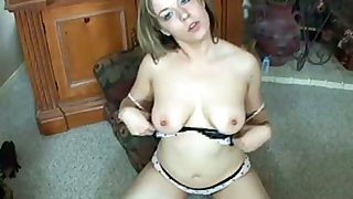 Alone kickshaw conceded chubby lady with big boobies masturbates herself